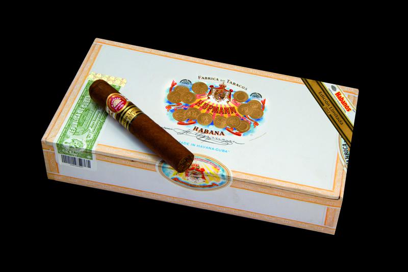 HUpmann Robustos Edicion Limitada 2012 Box-klein3